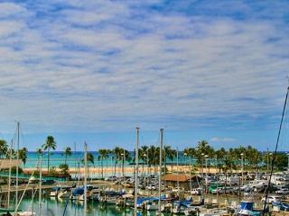 Waikiki Ilikai Marina 482 Ocean Sunset Fireworks, Honolulu