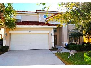 Enjoy the best value in this 6 br pool & spa home, Davenport
