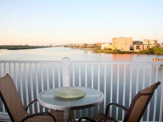 Direct waterfront. Fishing pier. Breathtaking view, Indian Shores