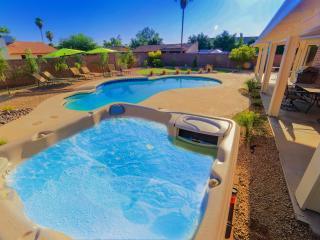 AMAZING HOME & LOCATION- Pool/Spa/Pool Table, Scottsdale