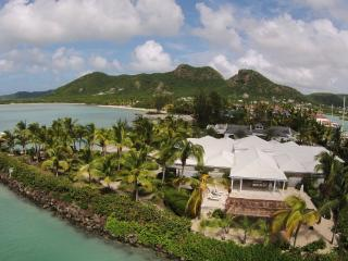 Palm Point, Antigua - Luxury Beachfront Villa, Jolly Harbour