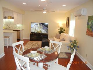 Cozy clean, basement apartment near center of town, Temecula
