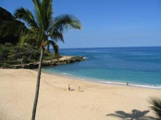Wake up to a Beautiful View in Makaha!