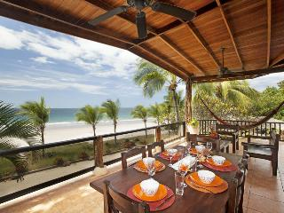 Front Row Center! On Flamingo Beach: 5BR/Pool, Playa Flamingo