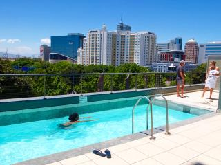Chic & Modern Panoramic Harbour Edge Studio, Cape Town Central