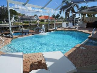 Villa Central - A Luxury Cape Coral 3b/3ba home