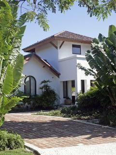 Exclusive Luxury Villa in Ocean Front Gated Commun