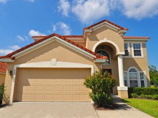 Gated Community with Large Private Pool near Golf, Davenport