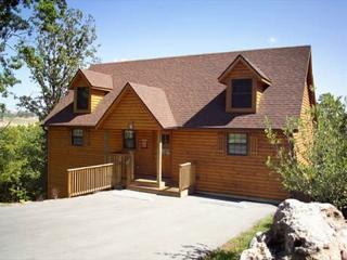 Spacious 8/8 Luxury Cabins in a Resort, Branson