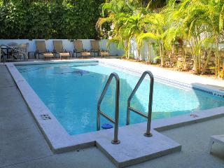 CASA GRANDE HUGE KEY WEST VILLA, BRING THE FAMILY, Key West