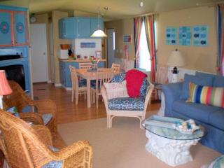 Vacation Rental on canal in Fenwick Island, DE