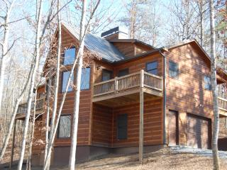 Buck Valley Lodge - Luxury Cabin, Ellijay