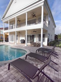 Full length pool, hot tub and barbecue area