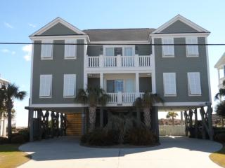 Ocean front 7 B/R 7.5 Bath w/ Pool & Hot Tub