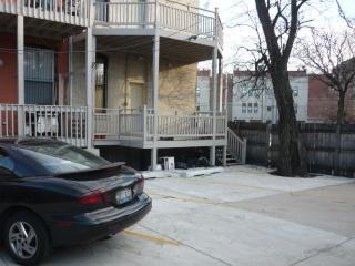 Bucktown, Urban Luxury and Convenience, Chicago