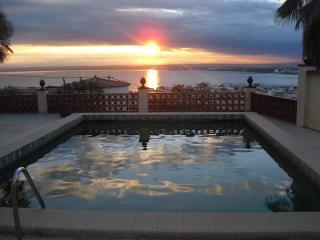 Villa Roses avec magnifique vue sur mer et piscine