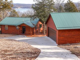 Rustic 2BR Golden Log Cabin on Secluded Bluff Lakefront  w/Multiple Decks - Easy Access to Boating & Swimming on Table Rock Lake!