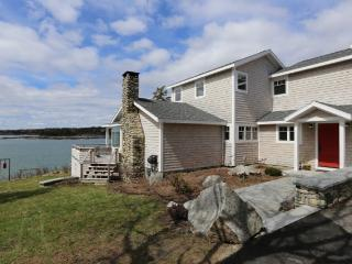 Beautiful Oceanfront home on Spruce Head Bay, South Thomaston
