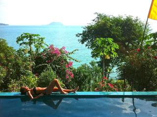 Beautiful Oceanfront Villa w Pool, Stunning Viewsf, Ko Phangan