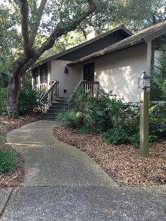 Walk to the Beach! Pet Friendly!, Johns Island