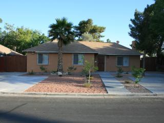Beautiful Remodeled 4-Bedroom Home, Las Vegas