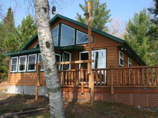 CAREFREE CREEK CABIN-4br on Little St.Germain Lake, Saint Germain