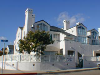Beach 1 Block Away, Pismo, Spacious Condo,, Pismo Beach