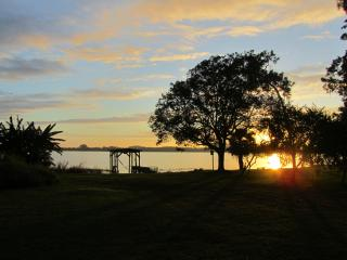 Lakefront Vacation Home! Bring your boat, jetski, seaplane or any other toy!, Winter Haven