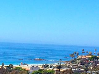 Walk to Beach 5 bedroom 5 bath Magnificent Villa, Laguna Beach