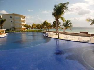 Luxury Beachfront Condo / Brand New Complex, Puerto Morelos