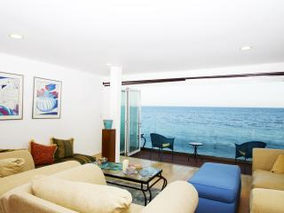 #331 Luxury Malibu Oceanfront home with Private Be, Malibú