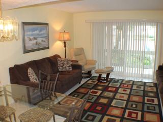 Ocean/Pool View Condo at Four Winds, Flat Screens, Saint Augustine