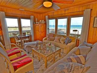 BEACHFRONT- CLASSIC NC COTTAGE- PRIVATE HOME, Surf City