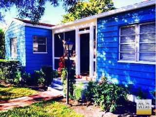 Newly renovated villa close to city and beach, 3 beds / 2 baths, Fort Lauderdale