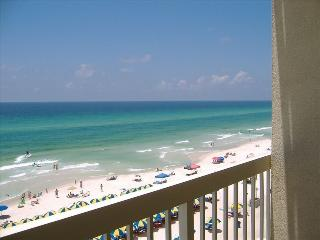 Beachfront. Sleeps 6. May 21 to June 4 - 25% Off!!, Panama City Beach