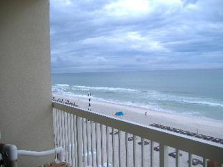 Beachfront. Sleeps 6. May 21 to June 3 - 25% Off!!, Panama City Beach
