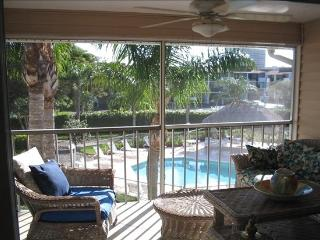2bd 2BA-Walk to S. Beach, Pool, Wifi, Marco Island