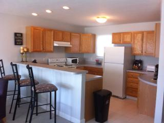 3 Level Condo In Harbor Village Marina, Manistee