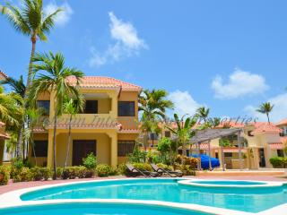 Luxury Punta Cana Villa - 5 Min Walk to Beach!, Bávaro