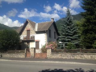 Cosi flat  in a traditionnal house downtown, Le Bourg-d'Oisans