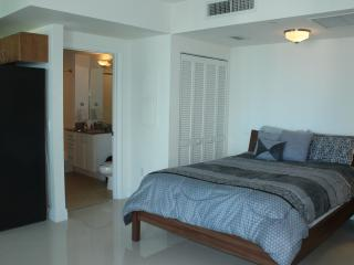 Beautifully Furnish Studio Apartment, Miami