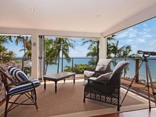 Amazing House in Port Douglas with beachfront, Oak Beach
