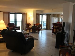 2 BDR Stunning 10    Floor Views (Sleeps 8), Daytona Beach Shores