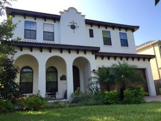 Luxurious Spanish Villa Casa D' Druse, Tampa