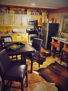 1 Bedroom Unit - Full Kitchen