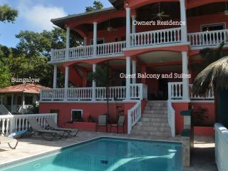 Pristine B&B - 3 min stroll to West Bay Beach!, Roatán