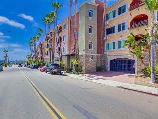 Resort Living In North PB Top Floor!, San Diego