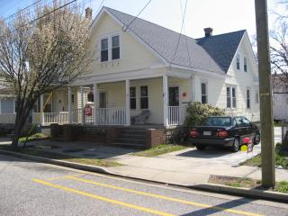 Charming Vacation Rental with Offstreet Parking, Wildwood