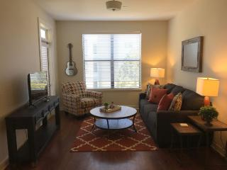 2 Bedroom Condo with City Views in the Gulch!! 544, Nashville
