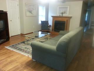 Secluded Haven-By Lake MI, Pool/Hottub!Short Stays, South Haven